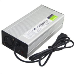 12Vdc 10A AC to DC Battery Charger with 110V 220 Vac input (3)